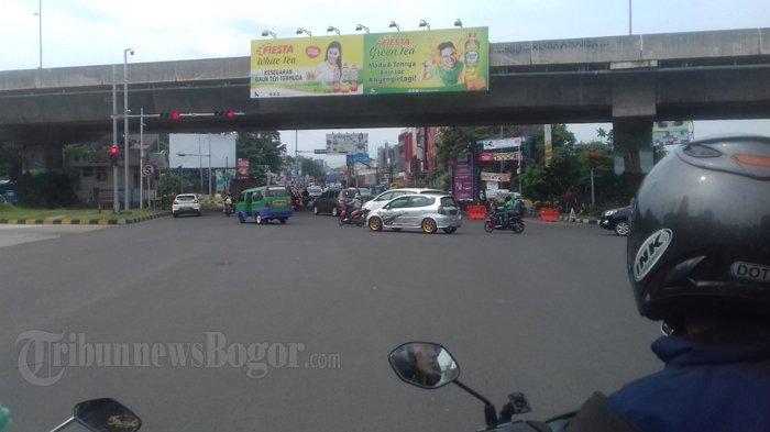 Jelang Siang Tidak Ada Kemacetan Di Simpang Tol BORR