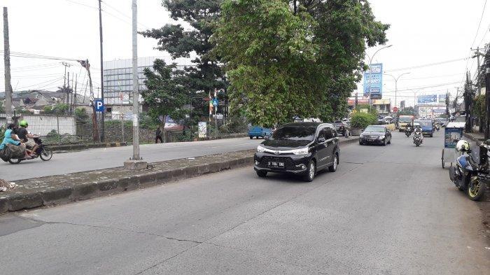 Lalu Lintas di Jalan Mayor Oking Cibinong Jelang Siang Ramai Lancar