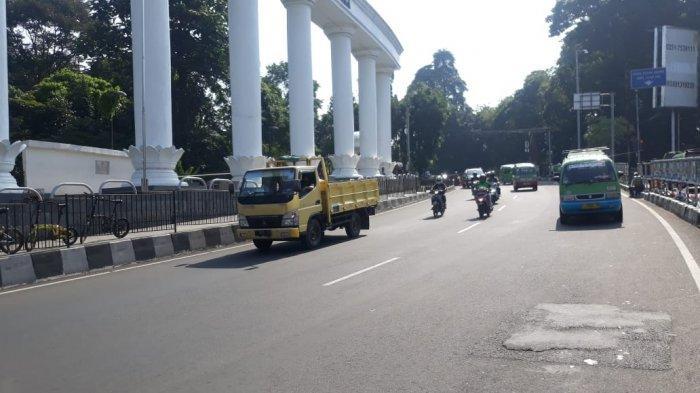 Info Lalin Kota Bogor: Lalu Lintas Sekitar Tugu Kujang Ramai Lancar Pagi Ini