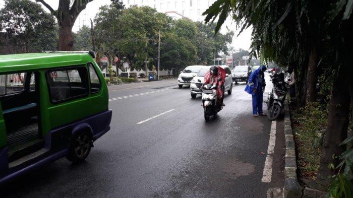 Diguyur Hujan Lalu Lintas Jalan Pajajaran Lancar, Hati-hati Jalanan Licin