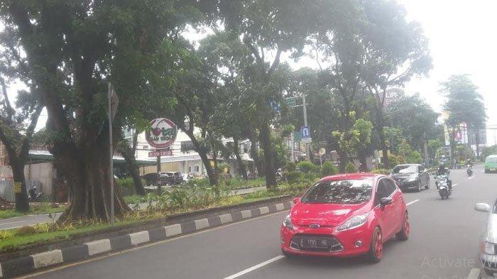 Arus lalu Lintas di Simpang Jalan Sukasari Saat Ini Ramai Lancar