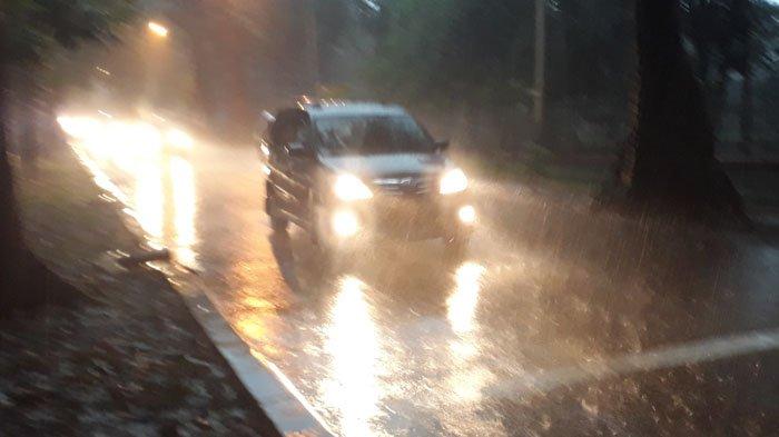 Diguyur Hujan Deras, Lalu Lintas di Jalan Pemuda Bogor Lancar