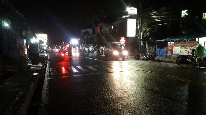 Lalu Lintas Kendaraan di Jalan Raya Ciawi Bogor Malam Ini Ramai Lancar
