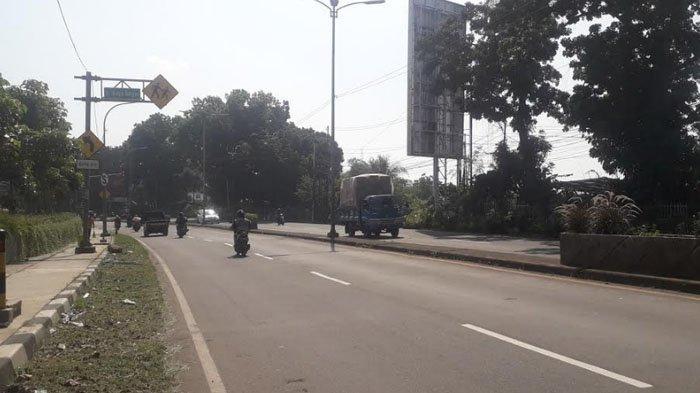 Laju Kendaraan di Jalan Raya Jakarta-Bogor Kawasan Sukaraja Saat Ini Tampak Ramai Lancar
