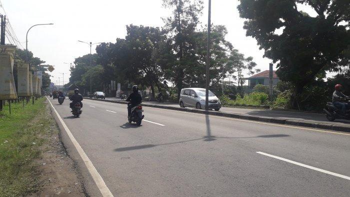 Laju Kendaraan di Jalan Raya Jakarta - Bogor Kawasan Sukaraja Saat Ini Terpantau Ramai Lancar