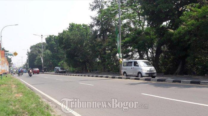 Lalu Lintas Kendaraan di Jalan Raya Jakarta-Bogor Kawasan Ciluar Jumat Pagi Ini Ramai Lancar