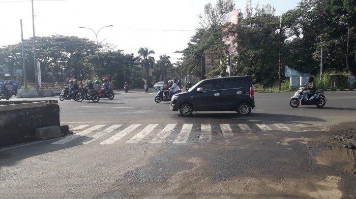 Jalan Raya Jakarta - Bogor Simpang Sentul Saat Ini Ramai Lancar