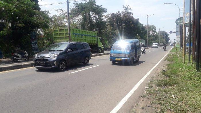 Jalan Raya Jakarta - Bogor Kawasan Sukaraja Lancar Jelang Shalat Jumat