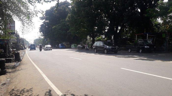 Cuaca Cerah, Laju Kendaraan di Jalan Raya Jakarta - Bogor Kawasan Sukaraja Saat Ini Ramai Lancar