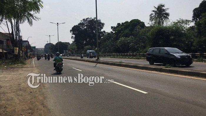 Lalu Lintas Kendaraan di Jalan Raya Jakarta - Bogor Pukul 10.38 WIB Ramai Lancar
