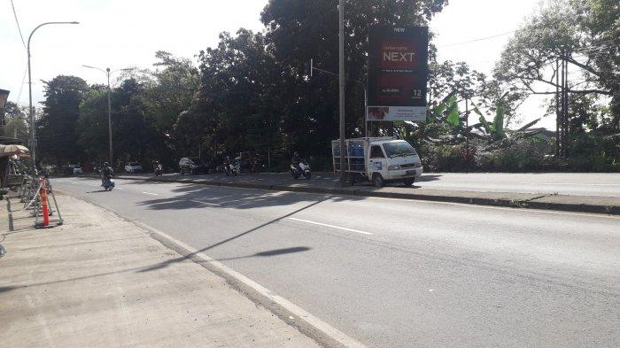 Lalu Lintas Kendaraan di Jalan Raya Jakarta - Bogor Kawasan Sukaraja Pagi Ini Ramai Lancar