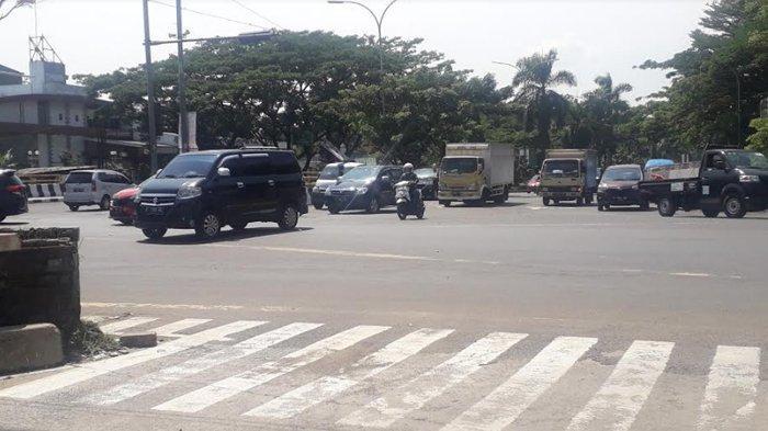 Update Lalu Lintas: Kendaraan di Simpang Sentul Saat Ini Ramai Lancar