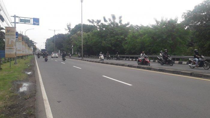 Lalu Lintas Kendaraan di Jalan Raya Jakarta-Bogor Kawasan Sukaraja Pagi Ini Terpantau Ramai Lancar