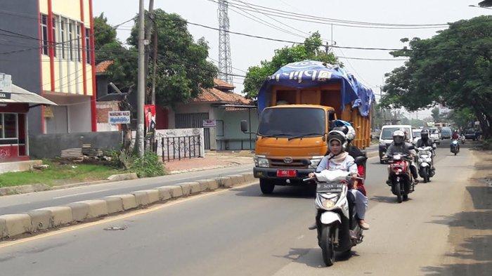 INFO LALU LINTAS - Jelang Siang Hari, Jalan Raya Kemang Masih Lancar Dikedua Arah