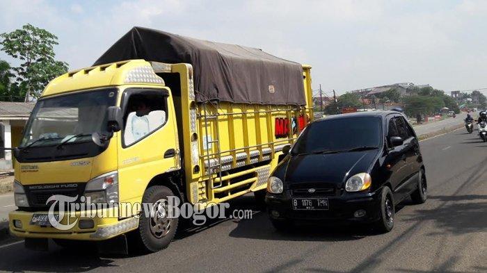 INFO LALU LINTAS :  Jalan Raya Kemang Menuju Tol BORR Jelang Siang Ini Masih Lancar