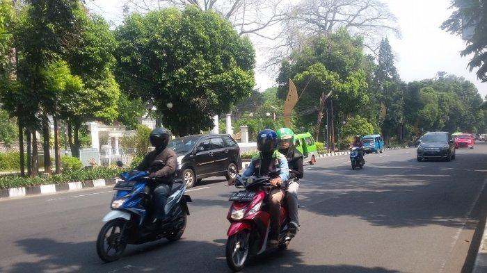 Jumat Pagi, Lalu Lintas di Jalan Raya Pajajaran Ramai Lancar Tanpa Hambatan