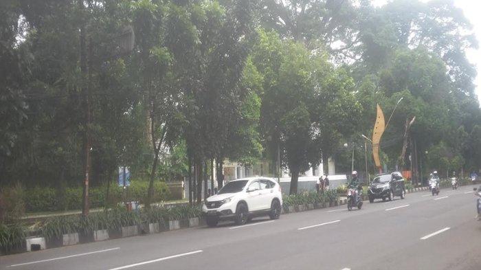 Gerimis, Lalu Lintas Jalan Pajajaran Ramai Lancar