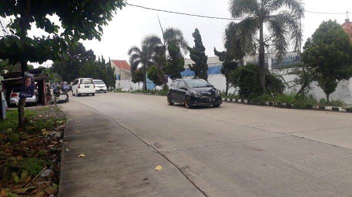 Lalu Lintas Di Jalan Raya Pemda Kawasan Kedung Halang Bogor Saat Ini Ramai Lancar