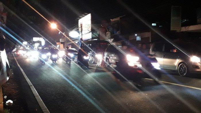 Info Lalin Puncak Minggu Petang : Kendaraan Padat di Kawasan Megamendung Setelah Dibuka 2 Arah