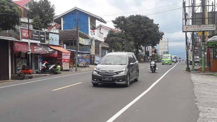 Libur Paskah, Lalu Lintas di Jalan Raya Puncak Ramai Lancar Tak Ada One Way