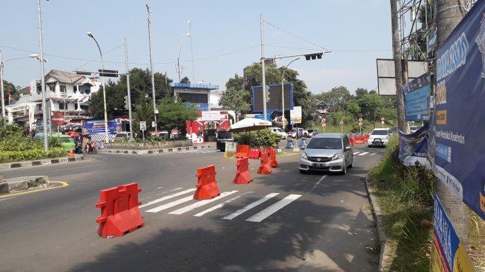 Satu Arah ke Puncak, Arus Lalu Lintas di Simpang Gadog Puncak Bogor Ramai Lancar