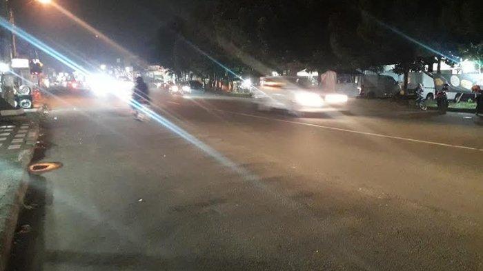 Lalu Lintas Kendaraan di Jalan Raya Sukahati Malam Ini Ramai Lancar