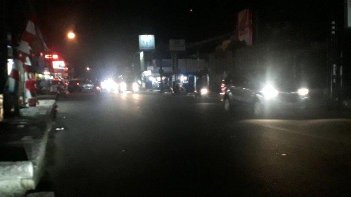 Lalu Lintas di Jalan Raya Sukahati Cibinong Rabu Malam Ramai Tak Ada Hambatan