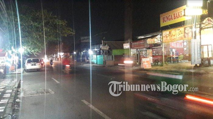 Info Lalu Lintas Cibinong - Jalan Raya Sukahati Malam Ini Ramai Lancar