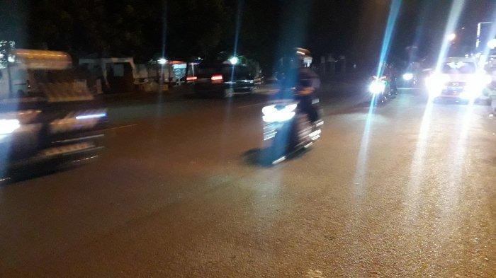 Lalu Lintas di Jalan Raya Sukahati Cibinong Ramai Lancar Malam Ini