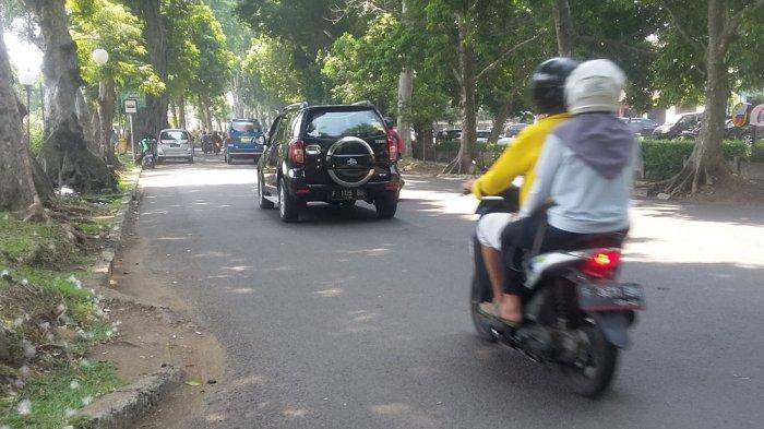 INFO LALU LINTAS - Jalan Raya Sumeru Kota Bogor Ramai Lancar, Hati-hati Jaga Jarak Aman