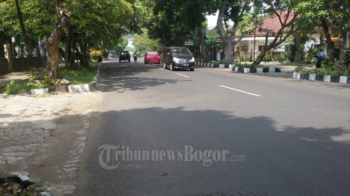 Arus Lalu Lintas Di Jalan RE Martadinata Jelang Siang Ini Lancar