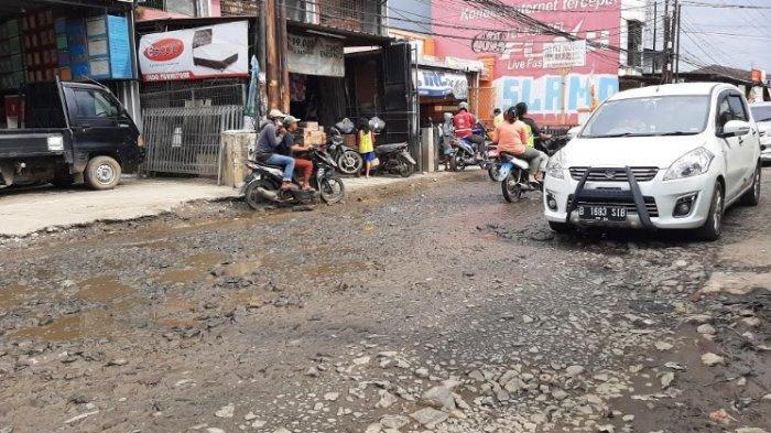 Jalan Penghubung Kabupaten Bogor dan Depok Rusak Parah, Warga Sebut Banyak Pengendara Jadi Korban