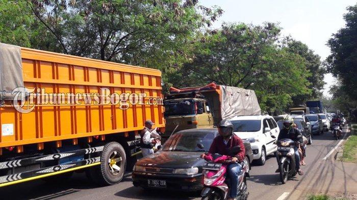 Imbas Proyek Coran Tol BORR Ambruk, Jalan Sholeh Iskandar Bogor Hari Ini Masih Macet