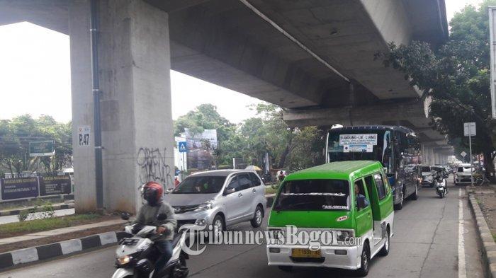 INFO LALU LINTAS : Jalan Sholeh Iskandar Kota Bogor Ramai Lancar, Pengendara Diimbau Hati-hati