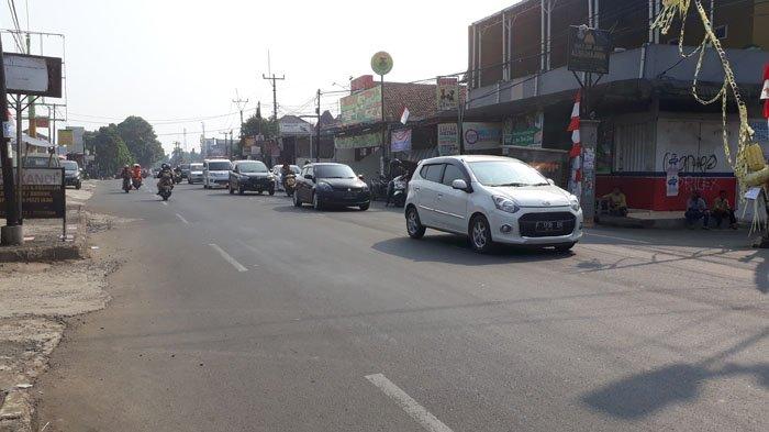 jalan-sukahati-cibinong-kabupaten-bogor_20180813_093010.jpg