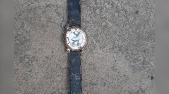 Jam tangan terjatuh di Lapas Khusus Kelas II A Gunungsindur, Kabupaten Bogor.