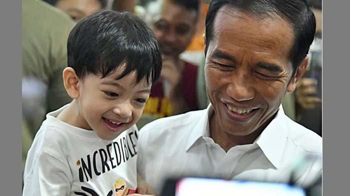 Ditanya Soal Hewan Kesukaan, Jawaban Jan Ethes Justru Bikin Jokowi Tertawa