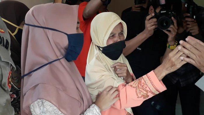 Nenek Anih Berurai Air Mata, Rumahnya yang Hampir Ambruk Disulap oleh Alumni Akabri 89