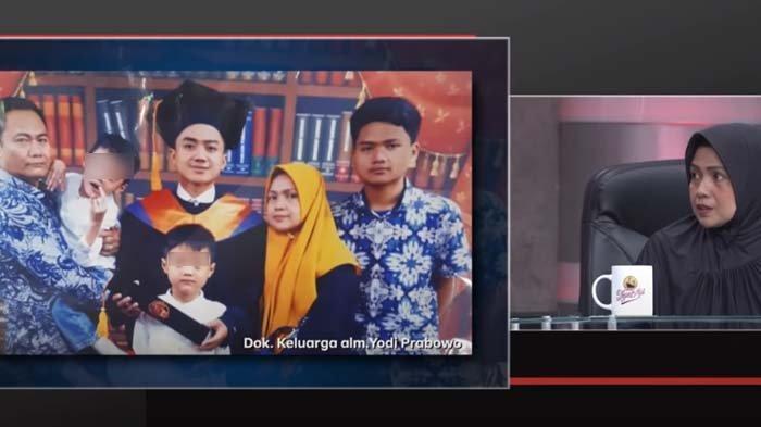 Kenang Momen Terakhir Bareng Editor Metro TV, Adik Kembarnya Kerap Melamun: Mas Yodi Kok Ga Bangun?