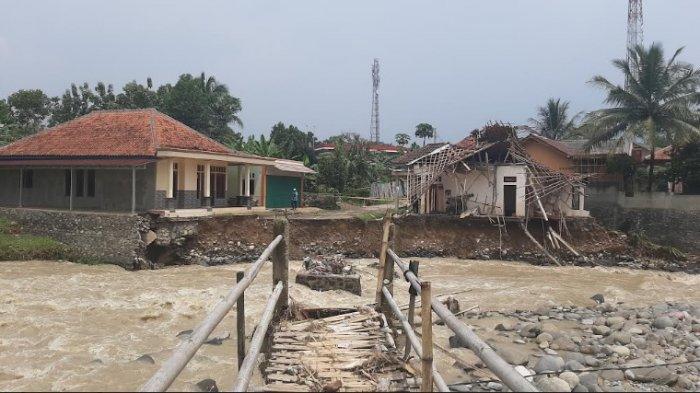 Waspada ! 18 Kecamatan di Kabupaten Bogor Terancam Banjir 28 - 29 September 2021