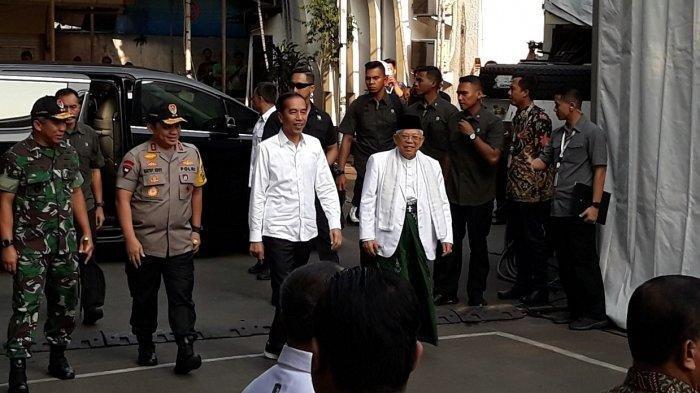 Jokowi Numpang Mobil Maruf Amin saat Datangi Gedung KPU