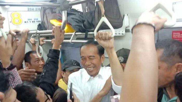 Foto dan Video Presiden Jokowi Berdesakan Naik Kereta Pulang ke Istana Bogor