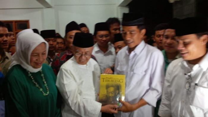 Jokowi Melayat ke Rumah Duka Gus Sholah, Maruf Amin Jadi Imam Sholat Jenazah