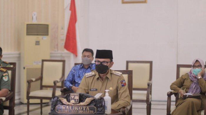 Sejumlah arahan disampaikan Presiden Joko Widodo (Jokowi) kepada pemerintah daerah dan unsur forkopimda seluruh Indonesia dalam rapat koordinasi yang dilangsungkan secara virtual dari Istana Jakarta, Senin (17/5/2021).
