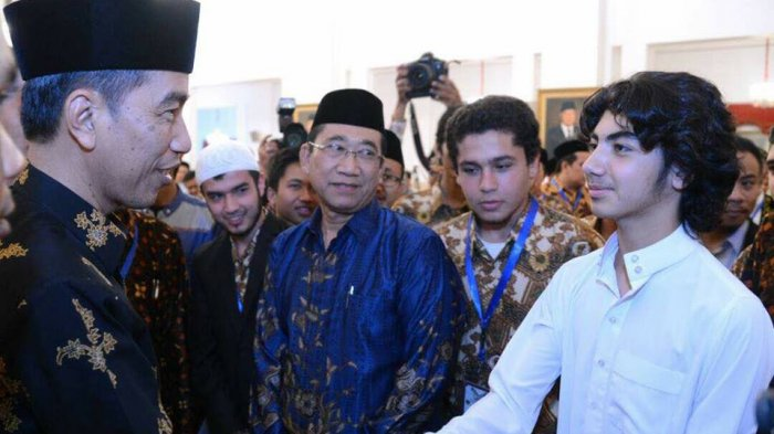 Qori Muda yang Bersalaman Dengan Presiden Jokowi Ini Bikin Salah Fokus, Netizen Sampai Penasaran