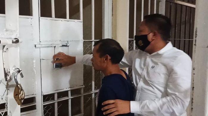 Diisengin karena Pakai Celana Kolor di Acara Hajatan, Nasib Junaidi Berakhir di Bui : Saya Nyesel