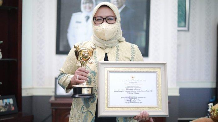 Pemerintah Kabupaten Bogor Sabet Anugerah Parahita Ekapraya 2021