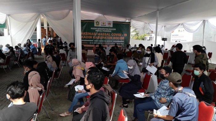 Kadin Kabupaten Bogor Gelar Vaksinasi Massal untuk 1.000 Warga
