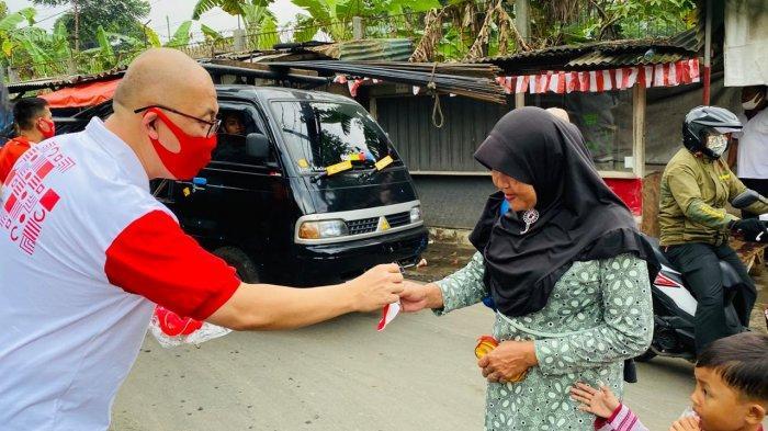 Kampanyekan Protokol Kesehatan, Panitia Festival Merah Putih 2020 Bagi-bagi Masker Hingga Alat Tulis