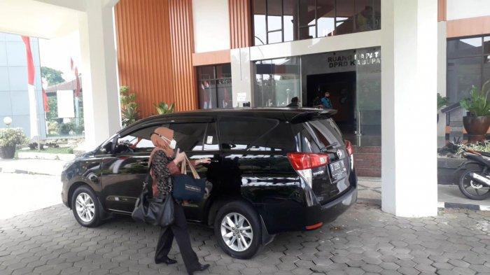 Jumat Ini Kantor DPRD Kabupaten Bogor Disambangi Sejumlah Petugas KPK, Ada Apa ?